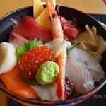 大津漁協直営市場食堂 - 海鮮丼アップ
