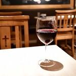 イタリアン酒場 SORRISOLE - ヌヴィアナ・テンプラニーリョ・カベルネ・ソーヴィニヨン(グラス)@480円
