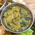 マロロガ バワン - 日替わりの豆カレー