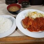 ランチハウス美味しん坊 - 料理写真:[若鶏のトマトソース添えランチ930円!]