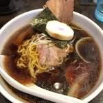 らーめん喜多楼 - 料理写真:とり醤油ラーメン 700円
