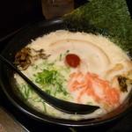 だるまのめ - だるまらぁ麺 九州系純豚骨 白