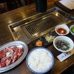 焼肉トザワ - カルビミックスランチ