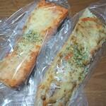 ペニーレイン - めんたいチーズフランスとごぼーチキンサラダ
