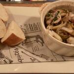 永福町 ichi - つぶ貝とマッシュルームのアヒージョ