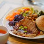 山形豚のグリル たくさん野菜のパワーサラダ自家製パンまたはライス付(税込)