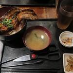 まぐろ酒場 さかなや大将 - ・「男の厚切り豚バラカルビ丼 200g(¥850)」