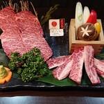 暖だん - 米沢牛二種盛り ¥3,240 左カイノミ 右ゲタカルビ