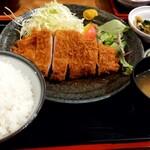 とんかつ 美味小家 - ロースかつ定食 1000円