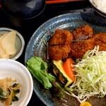 とんかつ 美味小家 - ヒレかつ定食 1050円