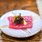 秋田 てんぷら みかわ - まぐろの赤身 行者にんにくの醤油漬け、和芥子