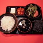 慶光苑 - 料理写真:冷奴、カクテギ、サラダ、海苔、スープ、ライス付きライスセット