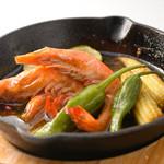 BAR YLANG YLANG - 料理写真:エビのアヒージョ