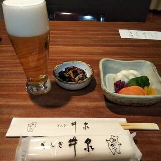 銀座 井泉 - 定食付属のヒジキ&お新香。残念ながらビールは定食に含まれてません。