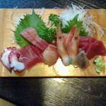 Misaki - お刺身の盛り合わせ(1人前) 1,200円