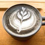 イッチ カワラ コーヒー ラボ - 瓦ラテ上から
