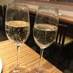 魚タリアン YO - 乾杯のシャンパン☆