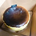 バスクチーズケーキ専門店 マックロ - バスクチーズケーキ(12cm)