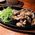 水炊き・炙り焼・鳥料理 博多華味鳥 - はらみ炙り