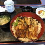 あなご処 城山本店 さくら庵 - 宮島丼   1760円