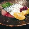 鳥王 - 料理写真:秋サバの〆鯖刺 680円