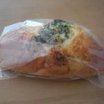 12160694 - チーズパン