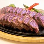 やっぱり肉が好き - USA最高グレードプライム 肩ロースポンドステーキ_湯気