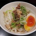 初代 哲麺 - まかない丼
