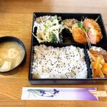 ロマンス - 料理写真:日替わりランチ680円お味噌汁付き