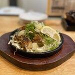 近所の鉄板焼き家 つどい - 広島産かきバター