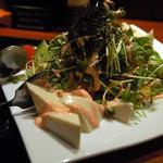 博多もつ処 煌梨 - 豆腐と水菜の明太マヨサラダ