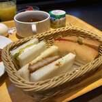 天然温泉 青葉の湯 ドーミーイン仙台ANNEX - サンドイッチとドッグパンが嬉しい