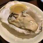121643698 - 石巻産 殻つき生牡蠣 380円(税別)(1個)