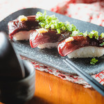 ぶっちぎり酒場 - 肉寿司