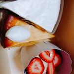 TOKUSHIMA COFFEE WORKS - 上からレアチーズケーキ、チーズケーキ、苺タルト