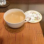 121667868 - チャイ。甘さとミルク感、スパイスの効き具合が最高です。
