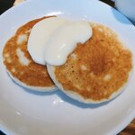 牛豚鶏食堂 - そば粉のパンケーキ