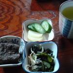 石松 - 定食の小鉢たち