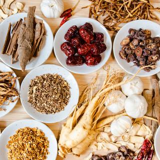 健康&美容効果抜群!18種類の漢方が入った「火鍋」をご提供♪