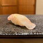 寿司 赤坂 - ひらめ