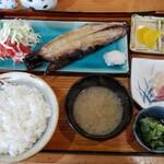 121695209 - 焼き魚定食(900円)です。