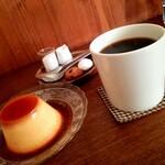 喫茶オルガン - プリンと珈琲