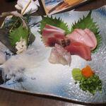 博多 寿司炉ばた 一承 - 次はこの店自慢の刺身の盛り合わせ、壱岐の勝本漁港から直接仕入れた自慢の新鮮な魚の盛り合わせです。