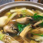 くずし割烹 豚美 - 牡蠣鍋