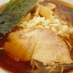 あさひ軒 - 料理写真:飴色の濃口醤油・・・