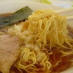 あさひ軒 - 縮れ細麺 也