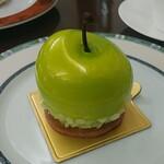 121721017 - マンザナ。青りんご姿が可愛いです