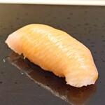 鮨おばな - 新潟県佐渡産の鰤の大トロ