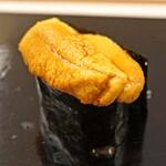 鮨おばな - 北海道橘水産の馬糞雲丹
