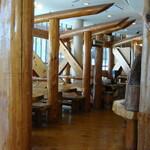 珈琲屋OB - 柱も梁、床も木製